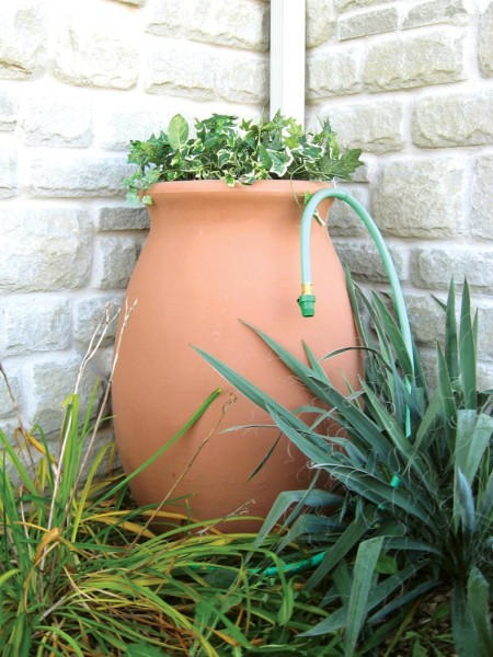Make your rain barrel a decoration in your garden!